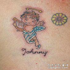 小婴儿天使彩色胸部纹身图案