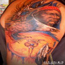 彩色北美土著人肖像和鹰艺术品纹身图案