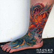 脚背惊人的生物力学彩色纹身图案