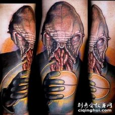 插画风格彩色的外星生物和神奇的球纹身图案