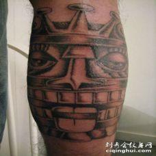 小腿阿兹特克艺术纹身图案