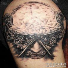 肩部超现实的艺术大脑纹身图案