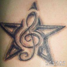 3D五角星和高音谱号纹身图案