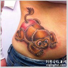腰部3D卡通彩色的可爱猴子纹身图案