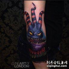 有趣的3D卡通彩色怪物手臂纹身图案