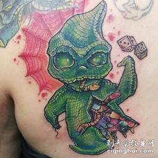 背部3D有趣的怪物与骰子纹身图案