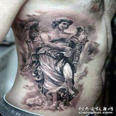 侧肋精美的3D大天使纹身图案