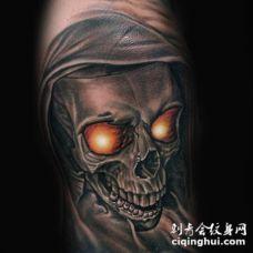 手臂非常逼真的3D恶魔骷髅纹身图案