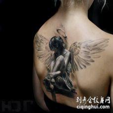 背部3D风格惊人的女天使纹身图案