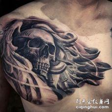 胸部3D风格的时钟和翅膀纹身图案