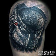 手臂邪恶美女铁血战士3D纹身图案