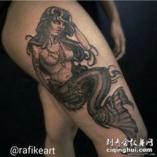 大臂欧美黑灰邪恶美人鱼纹身图案