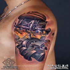 大臂机械彩色3D纹身图案