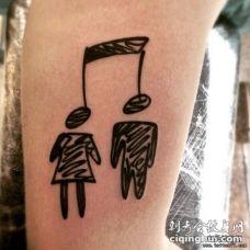 大臂音符人物个性黑色纹身图案