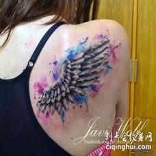 背部翅膀彩色泼墨纹身图案