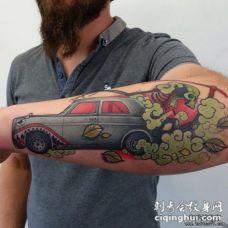 小臂汽车彩绘欧美纹身图案