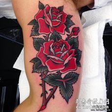 大臂old school红玫瑰纹身图案