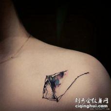 肩部风筝水彩泼墨线条纹身图案