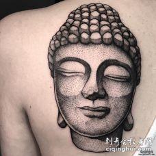 背部佛头石像点刺纹身图案
