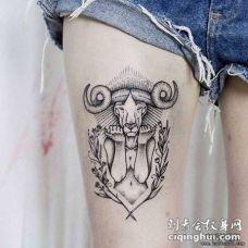 大腿欧美个性羚羊头人身结合纹身图案