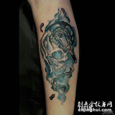 小臂欧美泼墨骷髅机械纹身图案