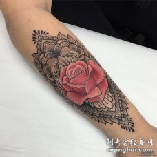 小臂school梵花红玫瑰纹身图案