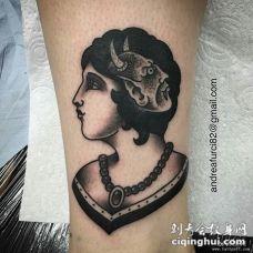小腿黑灰欧美女郎纹身图案
