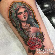 小腿圣母和花蕊纹身图案