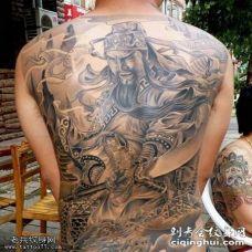 满背黑灰色关公纹身图案