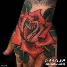手背红玫瑰纹身图案