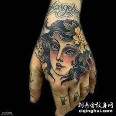 手背oldschool风格女郎纹身图案