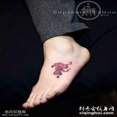 女生脚部小清新蝴蝶结纹身图案