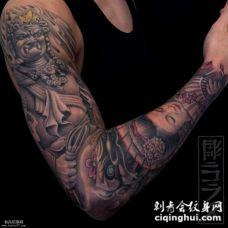 独特有个性的男人不动明王艺妓纹身图案