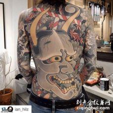 大胆的满背花臂般若纹身图案