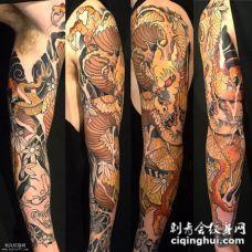 花臂个性的般若龙纹身图案