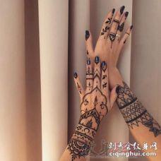 女生都喜爱的黑色线条几何元素素描创意梵花花纹纹身图案