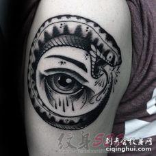 男生喜欢的黑色个性线条创意蛇纹身图案