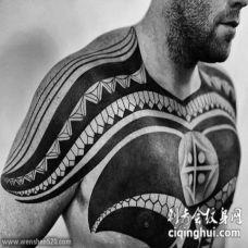 适合男生的胸口彩绘创意多技巧纹身图案