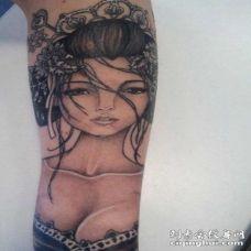 手臂艺妓纹身图案