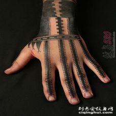 霸气狂野的黑色几何线条部落图腾纹身图案