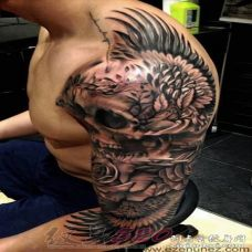 酷炫张扬的个性骷髅纹身图案