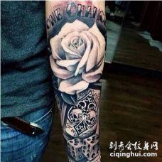 包小臂色子玫瑰花纹身图片