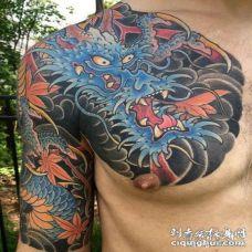 半甲蓝色邪龙纹身图案