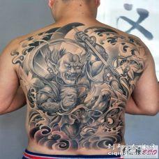 夜叉纹身图案 满背黑白色的夜叉鬼纹身图片