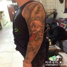 黑罂粟花纹身图 手臂上时尚唯美的欧美黑白花卉纹身图案