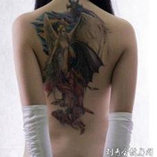 天使恶魔纹身图案 女生背部性感的纹身图案大全