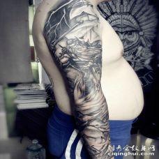 让人目目不忘的花臂纹身图片