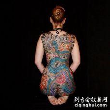 传统风格的大满背全胛纹身大图欣赏