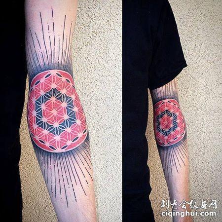 胳膊肘处花色灵花和直线纹身