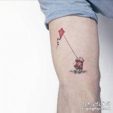 可爱的小熊放风筝的纹身图片